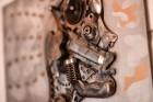 Moto & Metal NESTER CUSTOM mākslas galerija Preiļos ir izklaides komplekss ar izstāžu zālēm, individualizētiem motocikliem un metāla mākslas skulptūrā 7