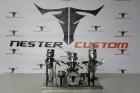 Moto & Metal NESTER CUSTOM mākslas galerija Preiļos ir izklaides komplekss ar izstāžu zālēm, individualizētiem motocikliem un metāla mākslas skulptūrā 9