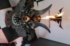 Moto & Metal NESTER CUSTOM mākslas galerija Preiļos ir izklaides komplekss ar izstāžu zālēm, individualizētiem motocikliem un metāla mākslas skulptūrā 15