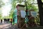 Preiļi top skaistāki - ar izzinošu stāstījumu pilsētas parkā noritējuši noslēdzošie darbi pie vārtu stabu apmetuma atjaunošanas, gruntēšanas un krāsoš 13