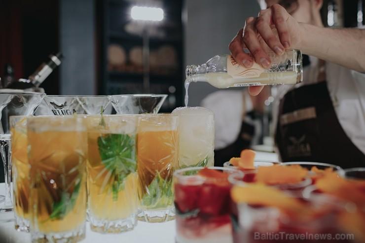 Restorānā Aqua Luna restaurant & bar ar karstasinīgu ballīti atklāj vasaras sezonu