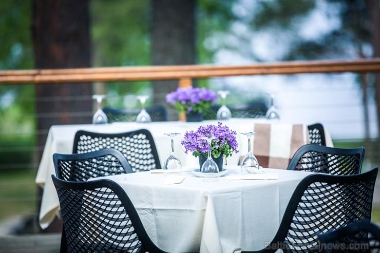 Pavadi neaizmirstamu laiku kopā ar draugiem vai ģimeni gardākajā vakara grill-brančā skaistākajā Pierīgas terasē Hotel Baltvilla, kuru atklās 24.05.20