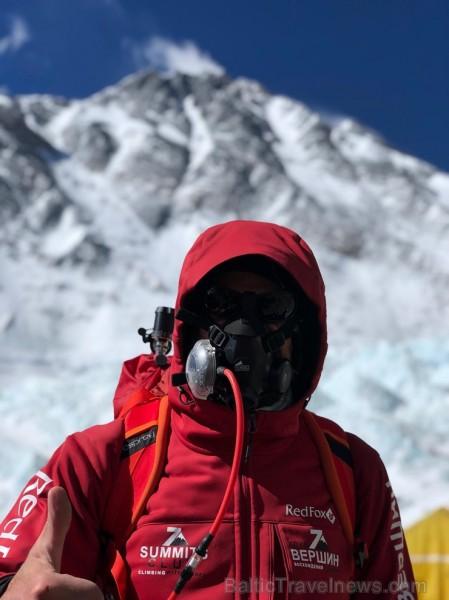 Tūroperatora Alida Tūrs valdes priekšsēdētājs Arno Ter-Saakovs piepildījis savu sapni un sasniedzis pasaules augstāko virsotni Everestu 254651
