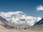 Tūroperatora Alida Tūrs valdes priekšsēdētājs Arno Ter-Saakovs piepildījis savu sapni un sasniedzis pasaules augstāko virsotni Everestu 20