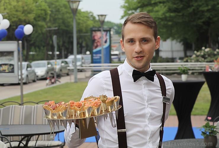 Rīgas viesnīcas «Radisson Blu Rīdzene Hotel» restorāns «Piramīda» 23.05.2019 atklāj vasaras terasi
