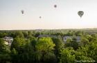 Festivāla laikā virs Kuldīgas krāšņi pacēlās vairākas gaisa balonu ekipāžas un priecēja kuplo apmeklētaju pulku 29