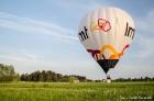Festivāla laikā virs Kuldīgas krāšņi pacēlās vairākas gaisa balonu ekipāžas un priecēja kuplo apmeklētaju pulku 47