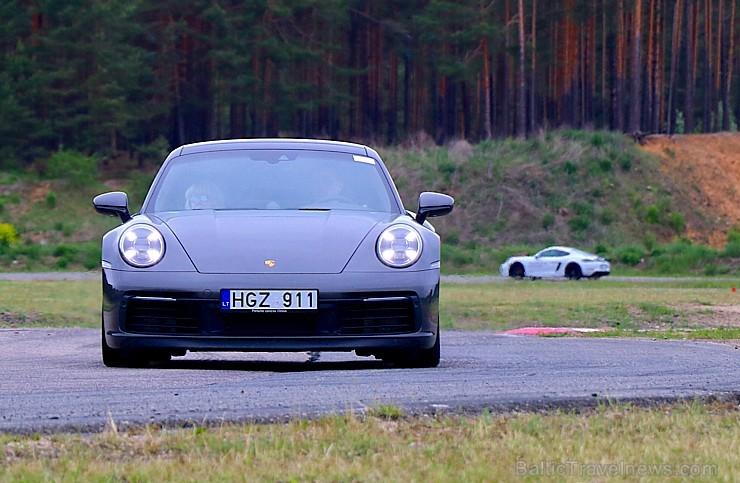 Travelnews.lv piedalās «Porsche Road Tour 2019» un izbauda 10 spēkratu spējas dažādos apstākļos