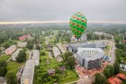 Visu Siguldas pilsētas svētku garumā siguldieši un pilsētas viesi baudīja krāšņu mākoņu kuģu rīta un vakara lidojumus 10