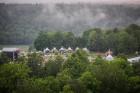 Visu Siguldas pilsētas svētku garumā siguldieši un pilsētas viesi baudīja krāšņu mākoņu kuģu rīta un vakara lidojumus 24