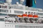 Uz 205 metrus garā kuģa ir vairāk nekā 800 pasažieru vietu un 340 cilvēku liela apkalpe, 8 pasažieru klāji ar 420 kajītēm, vairāki restorāni un bāri,  6