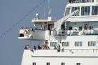 Uz 205 metrus garā kuģa ir vairāk nekā 800 pasažieru vietu un 340 cilvēku liela apkalpe, 8 pasažieru klāji ar 420 kajītēm, vairāki restorāni un bāri,  10