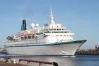 Uz 205 metrus garā kuģa ir vairāk nekā 800 pasažieru vietu un 340 cilvēku liela apkalpe, 8 pasažieru klāji ar 420 kajītēm, vairāki restorāni un bāri,  16