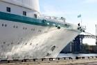 Uz 205 metrus garā kuģa ir vairāk nekā 800 pasažieru vietu un 340 cilvēku liela apkalpe, 8 pasažieru klāji ar 420 kajītēm, vairāki restorāni un bāri,  21