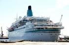 Uz 205 metrus garā kuģa ir vairāk nekā 800 pasažieru vietu un 340 cilvēku liela apkalpe, 8 pasažieru klāji ar 420 kajītēm, vairāki restorāni un bāri,  24