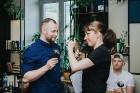 Ēdienu un dzērienu baudītāji kafejnīcā Piens smēlās idejas līgošanai pilsētvides apstākļos Lielvārdes alus kluba pasākumā 9