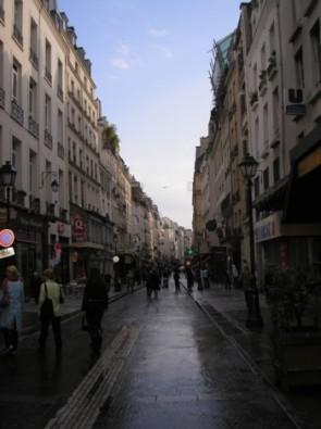 komentārs: Parīze, Montorgueil iela avots: www.travelnews.lv 14184