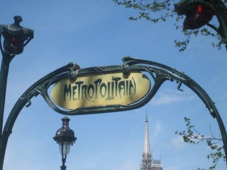 komentārs: Parīze, metro pietura avots: www.travelnews.lv 14188