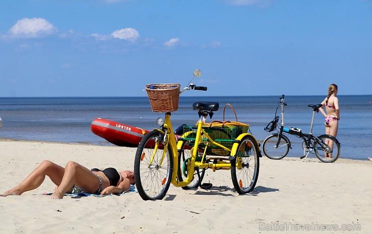 Jūrmala piedāvā karstu pludmali un dzestru peldi