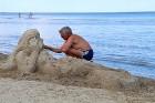 Jūrmala piedāvā karstu pludmali un dzestru peldi 30