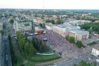 Ar skanīgiem koncertiem un košiem pasākumiem, kas apvieno visas pilsētas iedzīvotāju un ciemiņu paaudzes, Daugavpils pilsēta svin 744. Dzimšanas dienu 1