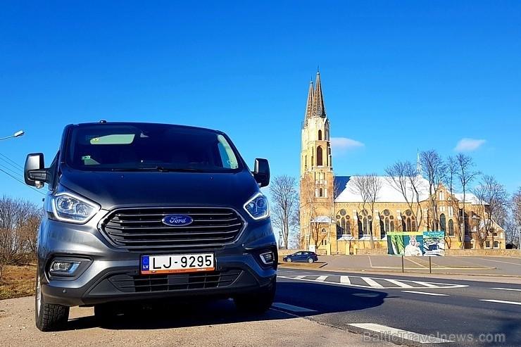 55 bildes - «Ford Tourneo Custom» (2019)
