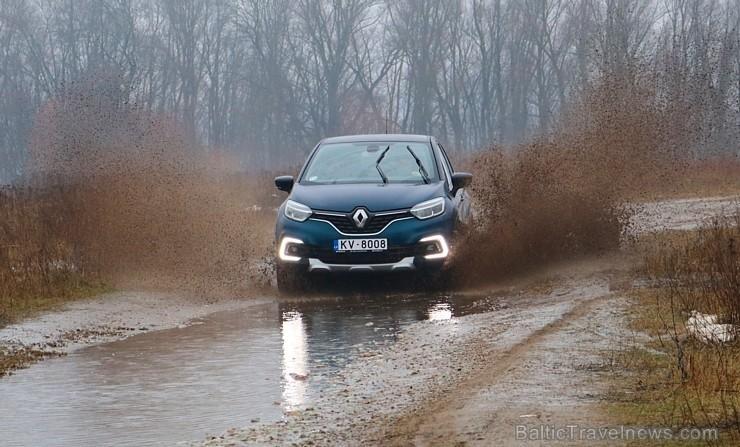 35 bildes - «Renault Captur» (2018)