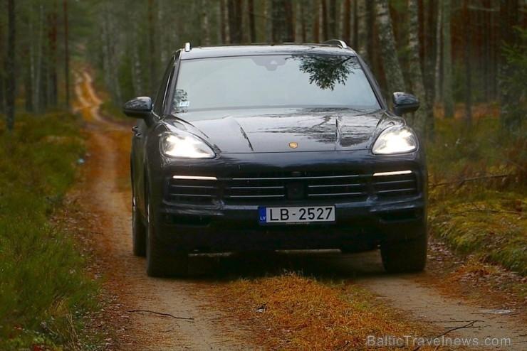 55 bildes - «Porsche Cayenne»