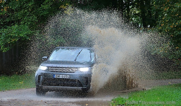95 bildes - «Land Rover Discovery»
