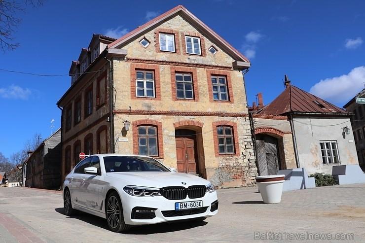 60 bildes - «BMW 530d XDrive»