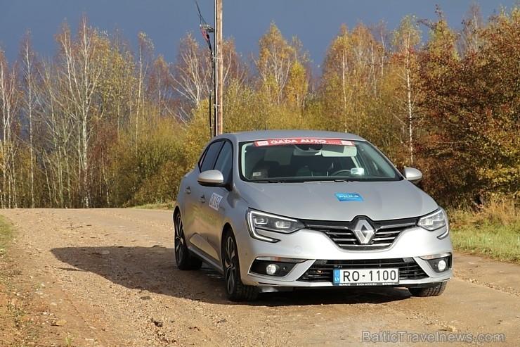 30 bildes - «Renault Megane» un 30 bildes «Renault Megane»