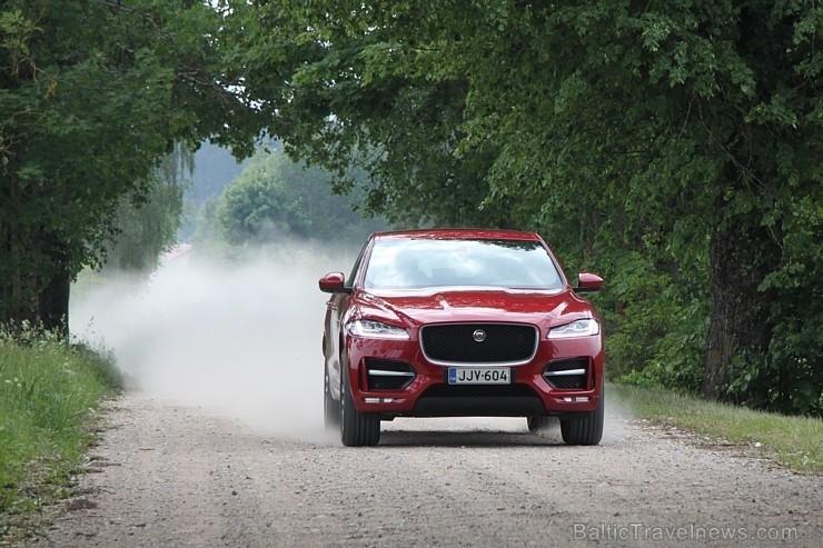 50 bildes - «Jaguar F-Pace»