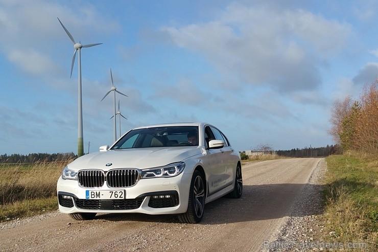 40 bildes - «BMW 730d xDrive» un 45 bildes - «BMW 730d xDrive»