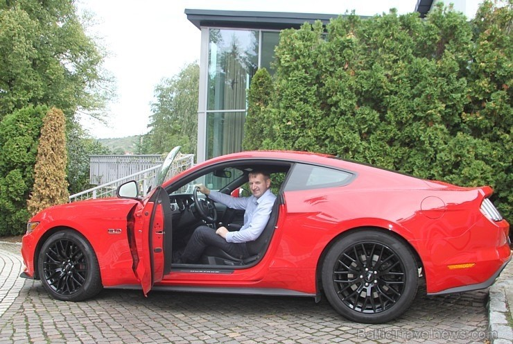 75 bildes - «Ford Mustang 5.0 L»