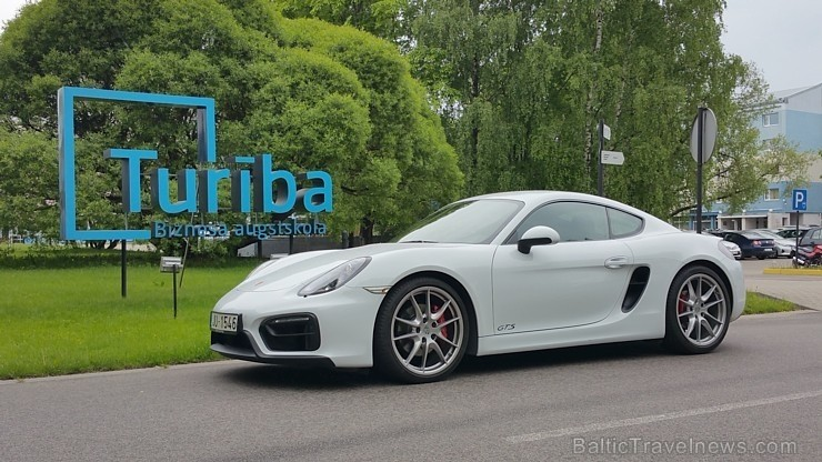 20 bildes - «Porsche Cayman GTS»