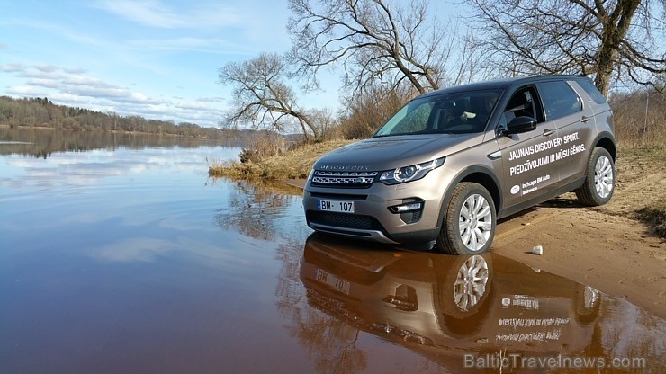 75 bildes - «Land Rover Discovery Sport SD4 5+2 HSE»