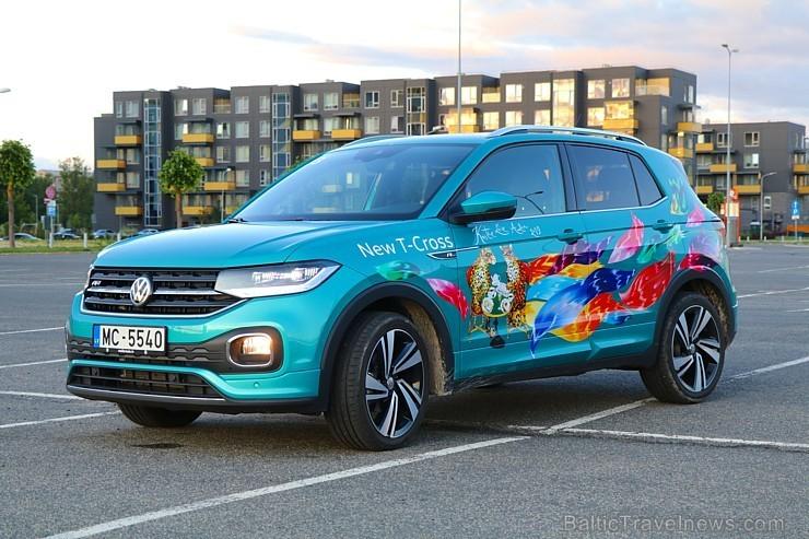 45 bildes - «Volkswagen T-Cross» (2019)