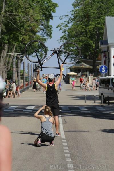 Jūrmalā norisinājās jau 9. Jūrmalas velomaratons, kas ir viens apmeklētākajiem velo pasākumiem Latvijā un pulcēja vairāk kā 2500 pasākuma apmeklētājus