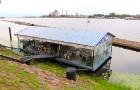 Travelnews.lv izbauda Pārdaugavas restorānu «Hercogs Fabrika» piedāvājumu uz plosta 2