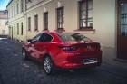 Vienam no kompaktās klases hečbekiem Mazda3 ir dvīņubrālis, kuru droši var saukt par vienu no skaistākajiem kompaktās klases sedaniem 2