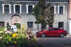 Vienam no kompaktās klases hečbekiem Mazda3 ir dvīņubrālis, kuru droši var saukt par vienu no skaistākajiem kompaktās klases sedaniem 9