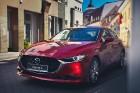 Vienam no kompaktās klases hečbekiem Mazda3 ir dvīņubrālis, kuru droši var saukt par vienu no skaistākajiem kompaktās klases sedaniem 11