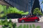 Vienam no kompaktās klases hečbekiem Mazda3 ir dvīņubrālis, kuru droši var saukt par vienu no skaistākajiem kompaktās klases sedaniem 12