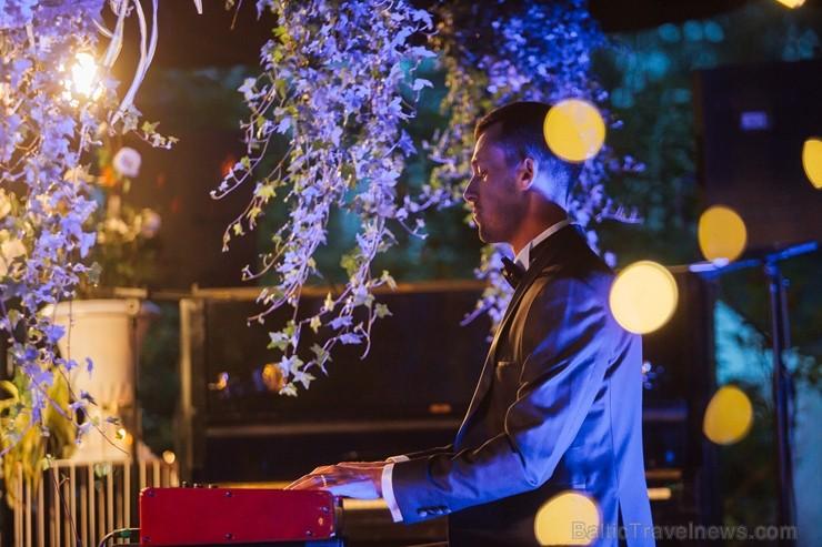 Mēnesi pirms festivāla Summertime sākuma, tā patronese Inese Galante dāvāja Rīgas klausītājiem bezmaksas koncertu Kalnciema kvartālā