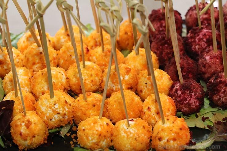 Panorāmas restorāns «Le Sommet» Pārdaugavā rīko Kokteiļkartes atklāšanas svētkus