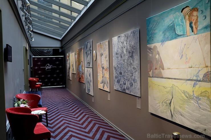 Viesnīca Rīgā ir izcila vieta jaunās mākslinieces Agates Bernānes personālās izstādes rīkošanai