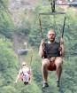 Travelnews.lv Gruzijas kūrortā Sairme izbauda 500 metru braucienu ar zipline 12