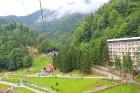 Travelnews.lv Gruzijas kūrortā Sairme izbauda 500 metru braucienu ar zipline 21