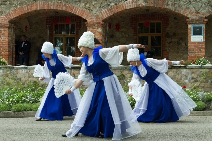 Pie Andreja Pumpura Lielvārdes muzeja ikviens baudīja muzikāli teatrālus priekšnesumus, kā arī bruņinieku cīņu paraugdemonstrējumus