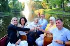 Pārdaugavas restorāns «Hercogs Fabrika» piedāvā jahtas izbraucienu ar romantiskām vakariņām pārim vai arī grupai 10